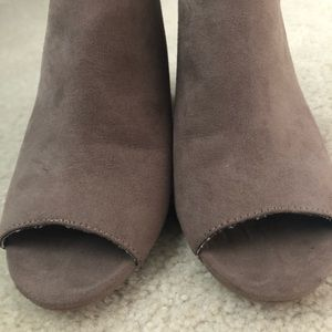 BAMBOO Shoes - Tan Strappy booties